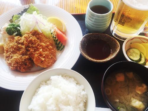 レイクランドカントリークラブ_食事_メンチカツ定食