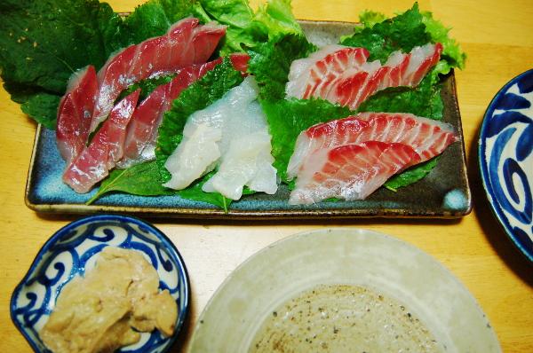 釣魚料理_カンパチとイサキとカワハギの刺身、荒煮