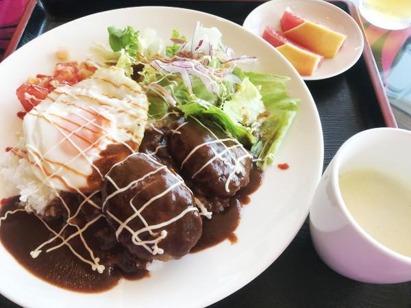 鶴カントリー_食事_ロコモコ丼