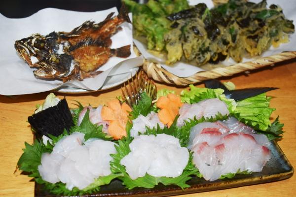 釣魚料理_ナンヨウカイワリ、イシガキダイ、カサゴの刺身とカサゴから揚げ