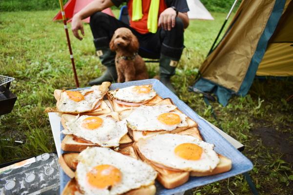 犬連れゴルフ&キャンプ2020年7月_2日目_ヤマユリが咲き乱れる