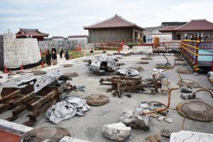 沖縄2020年11月_3日目_3_長い坂道を歩いて燃えた首里城を見る